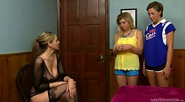 Sex-appeal sapphic sweety Bailey Bae..